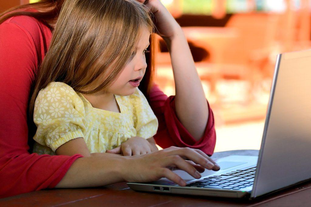 parent shopping online